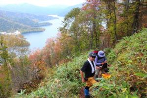 然別湖と登山道